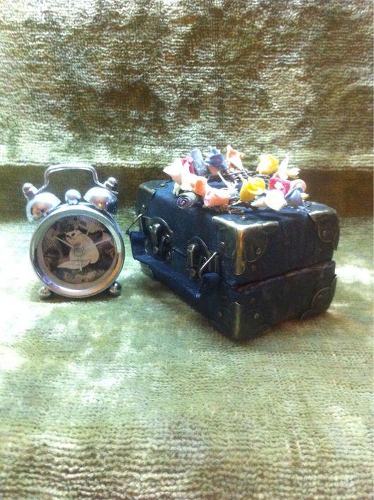 """Кукольный дом ручной работы. Ярмарка Мастеров - ручная работа. Купить Чемодан-аксессуар: """"чемOLDанчик"""". Handmade. Чемоданчик, аксессуары для фотосессий"""