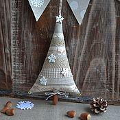 """Подарки к праздникам ручной работы. Ярмарка Мастеров - ручная работа Новогодняя ёлочка """"Горожанка"""", елка текстильная, новогодний интерьер. Handmade."""
