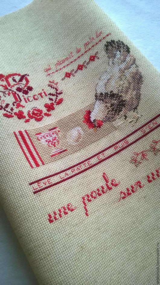 """Животные ручной работы. Ярмарка Мастеров - ручная работа. Купить Вышивка """"Курочка"""".. Handmade. Красный, панно, уютный дом"""