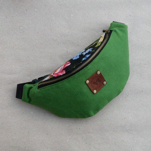 Женские сумки ручной работы. Ярмарка Мастеров - ручная работа. Купить Сумка на пояс Зеленая. Handmade. Поясная сумка