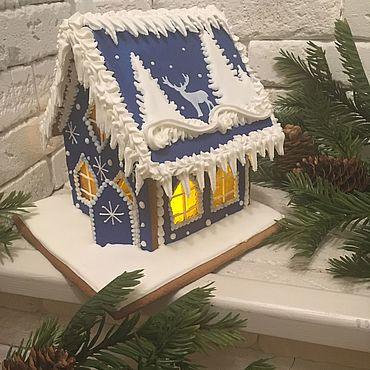 Сувениры и подарки ручной работы. Ярмарка Мастеров - ручная работа Большой пряничный домик с оленем  синий. Handmade.