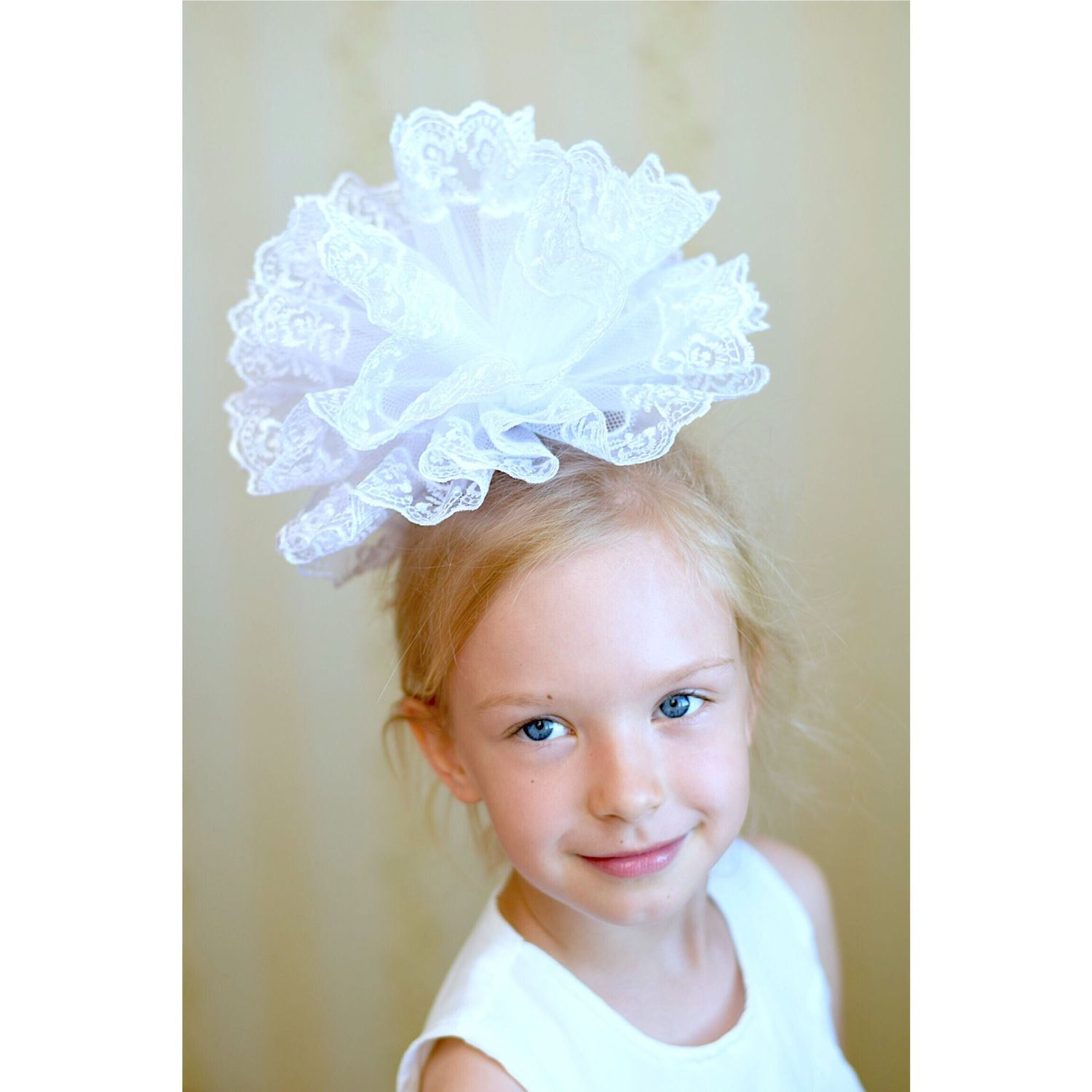Bow on 1 September. White curvy bow for schoolgirl girl, Clips, Moscow, Фото №1