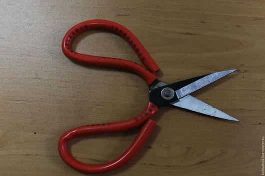 Ножницы по коже с красной ручкой-300 р