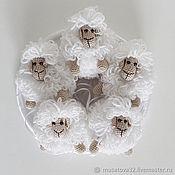 Куклы и игрушки ручной работы. Ярмарка Мастеров - ручная работа Игрушка-подвеска для мобиля ОВЕЧКА. Handmade.