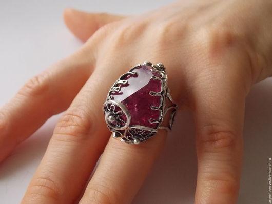 Кольцо `Конфети` с турмалином в серебре