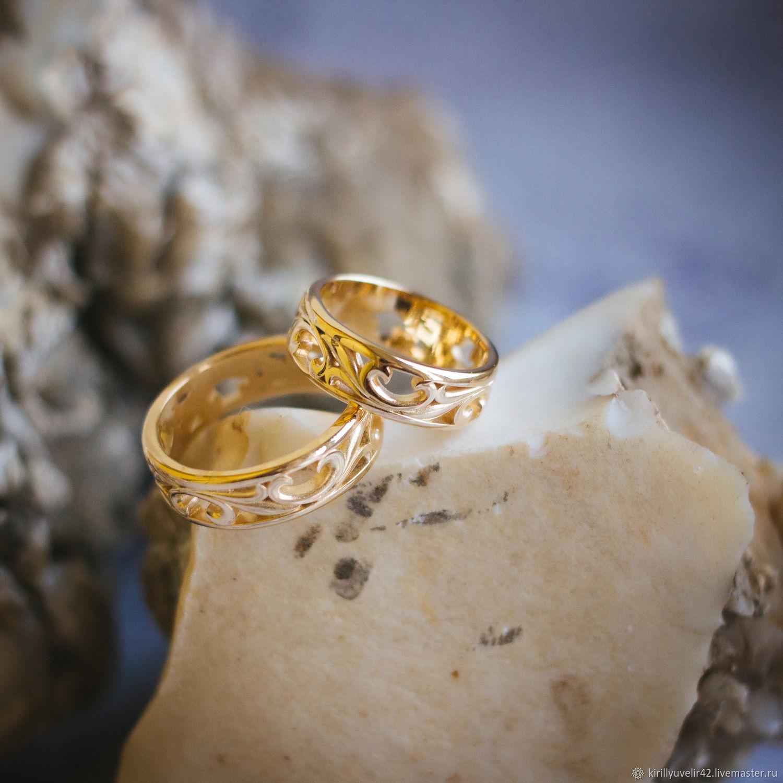 Обручальные кольца из лимонного золота 585* пробы, для сохранения изделия в идеальном виде, использовано лазерное клеймение, внутри кольца. Мужское размер 19.5 и вес 8 гр, женское размер 17 и вес 6 г