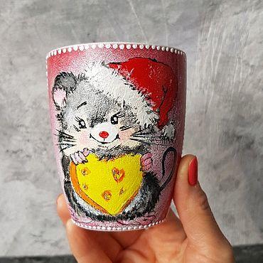 Посуда ручной работы. Ярмарка Мастеров - ручная работа Кружка новогодняя Мышонок с сердечком. Handmade.