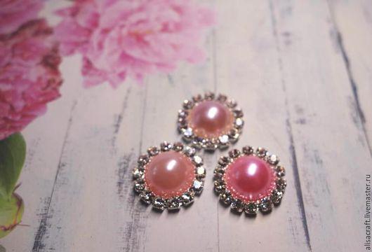 Украшение с жемчугом и стразами - три оттенка розового (светло-розовый, розовый и ярко-розовый)