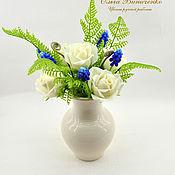 Цветы и флористика ручной работы. Ярмарка Мастеров - ручная работа Композиция с розами и мускари. Handmade.