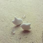 """Украшения ручной работы. Ярмарка Мастеров - ручная работа Серьги-гвоздики """"Белые как облако"""". Handmade."""