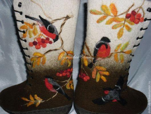 """Обувь ручной работы. Ярмарка Мастеров - ручная работа. Купить валенки """"Снегири в рябине"""". Handmade. Коричневый, желтый, валенки на подошве"""