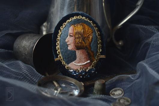 Броши ручной работы. Ярмарка Мастеров - ручная работа. Купить брошь-портрет Medioevo. Handmade. Тёмно-синий, средневековье, кристаллы