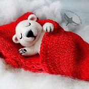 "Куклы и игрушки handmade. Livemaster - original item ""Сны Умки"" (валяная игрушка, белый медведь). Handmade."