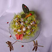 Цветы и флористика ручной работы. Ярмарка Мастеров - ручная работа Яблоко из конфет, подарок ребёнку, букет девочке, фрукты. Handmade.