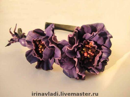 цветы из кожи, кожаные цветы, кожаные изделия,изделия из кожи, камелия из кожи фиолетовая, сиреневый цветок из кожи, ободок с цветами из кожи, обруч для волос с цветком, кожаный ободок , аксессуары дл