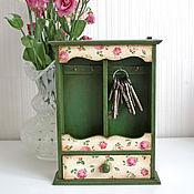 Для дома и интерьера ручной работы. Ярмарка Мастеров - ручная работа Зеленая ключница с розами. Handmade.