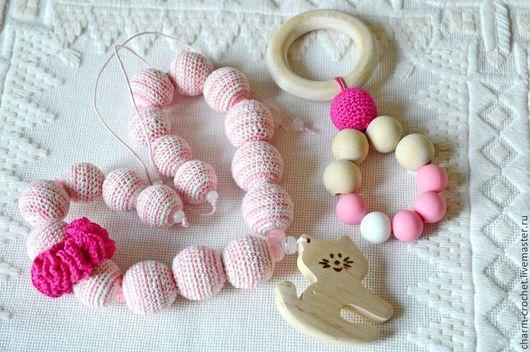 """Слингобусы ручной работы. Ярмарка Мастеров - ручная работа. Купить Подарочный набор """"Котик"""". Handmade. Розовый, бусы с подвеской, ольха"""