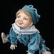 Куклы и игрушки ручной работы. Ярмарка Мастеров - ручная работа Фарфоровая кукла. Малыш в голубом костюме. Handmade.