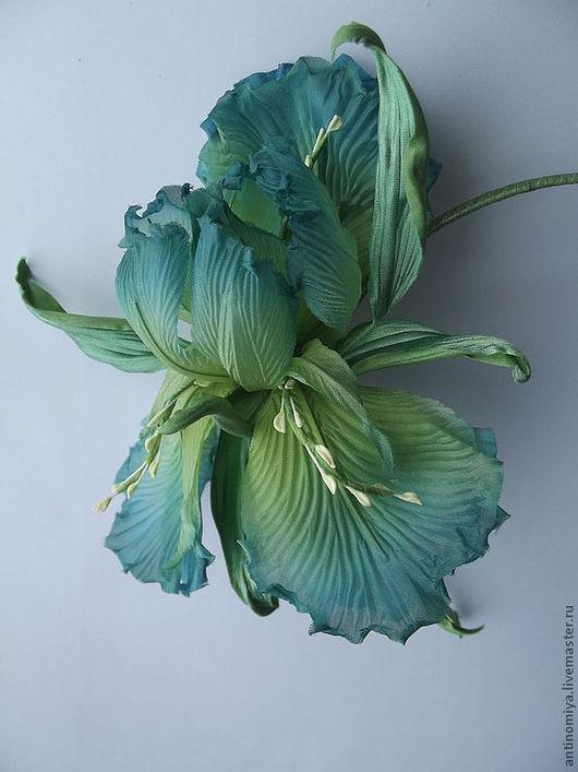 """Диадемы, обручи ручной работы. Ярмарка Мастеров - ручная работа. Купить Шелковые цветы. Ирис на ободке """"Green"""". Handmade."""