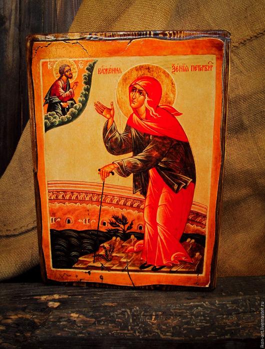 Икона на дереве ручной работы Ксения Петербургская. Икона создана по авторской технологии нашей мастерской.