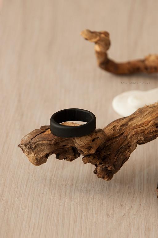 Кольца ручной работы. Ярмарка Мастеров - ручная работа. Купить Кольцо лэмпворк Уголек. Handmade. Кольцо из стекла, подарки для мужчин