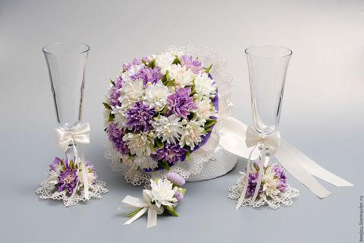 Свадебные цветы ручной работы. Ярмарка Мастеров - ручная работа. Купить Комплект аксессуаров для свадьбы: букет, бутоньерка, бокалы. Handmade.