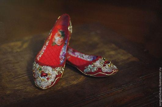 """Обувь ручной работы. Ярмарка Мастеров - ручная работа. Купить Балетки""""Красный Розариум""""в стиле DG. Handmade. Ярко-красный, балетки"""