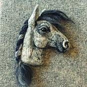 Куклы и игрушки ручной работы. Ярмарка Мастеров - ручная работа Брошка Лошадь с косичкой. Handmade.