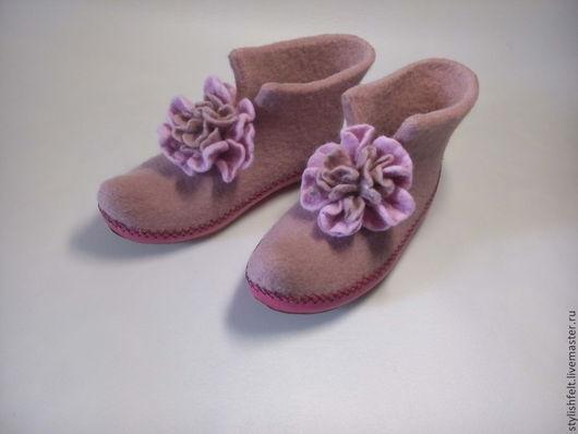 """Обувь ручной работы. Ярмарка Мастеров - ручная работа. Купить """" Пыльная роза"""". Handmade. Розовый, тапочки валяные"""
