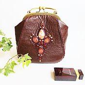 сумка кожаная женская вышитая  камнями