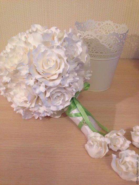Свадебные аксессуары ручной работы. Ярмарка Мастеров - ручная работа. Купить Белоснежный букет невесты с розами и стефанотисами. Handmade. Белый