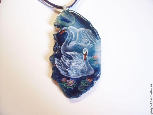 кулон`Лунные лебеди` роспись по камню