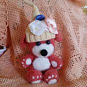 Куклы и игрушки ручной работы. Ярмарка Мастеров - ручная работа Любимый мишка+Бонус Красное вязаное сердечко. Handmade.