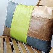 Для дома и интерьера ручной работы. Ярмарка Мастеров - ручная работа Подушка кожаная 40х29 см/зеленый+голубой. Handmade.