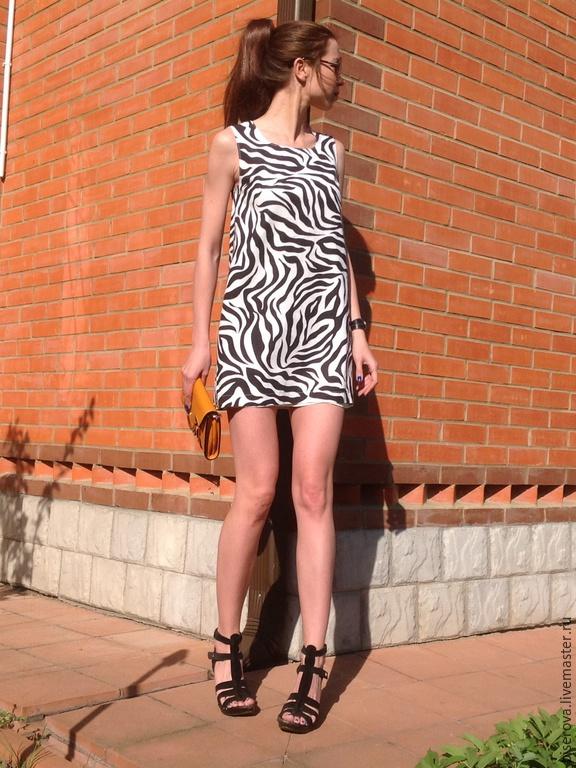 Платье в расцветке зебры