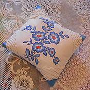Подушки ручной работы. Ярмарка Мастеров - ручная работа Подушка вышитая. голубые цветы. вышивка в интерьере. Handmade.