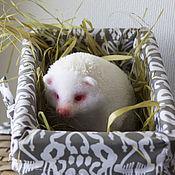 Куклы и игрушки ручной работы. Ярмарка Мастеров - ручная работа Ежик альбинос. Валяный еж.. Handmade.