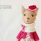 Куклы и игрушки ручной работы. Ярмарка Мастеров - ручная работа Кошечка в розовом. Игрушка мягкая кошка, кот тильда.. Handmade.
