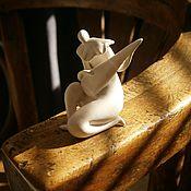 Для дома и интерьера ручной работы. Ярмарка Мастеров - ручная работа Статуэтка Пьеро с гитарой.. Handmade.