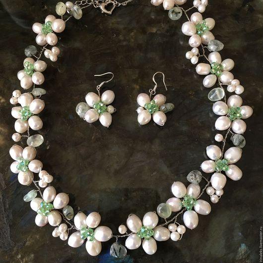 """Колье, бусы ручной работы. Ярмарка Мастеров - ручная работа. Купить Ожерелье """"Летнее"""". Handmade. Белый, вечернее украшение"""