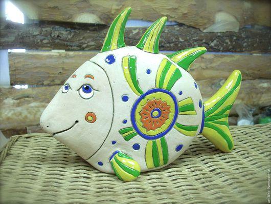 """Статуэтки ручной работы. Ярмарка Мастеров - ручная работа. Купить Копилка """"Рыба"""". Handmade. Ярко-зелёный, керамическая фигурка, подарок"""