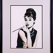 Панно ручной работы. Ярмарка Мастеров - ручная работа Портрет: Вышивка крестом Одри Хепберн. Handmade.