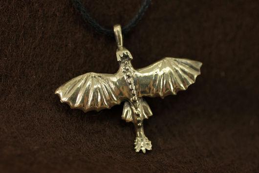 Украшение кулон Беззубик купить Toothless подарок Как приручить дракона, Как приручить дракона 2, Ночная Фурия, бронза, латунь, подвеска, бижутерия