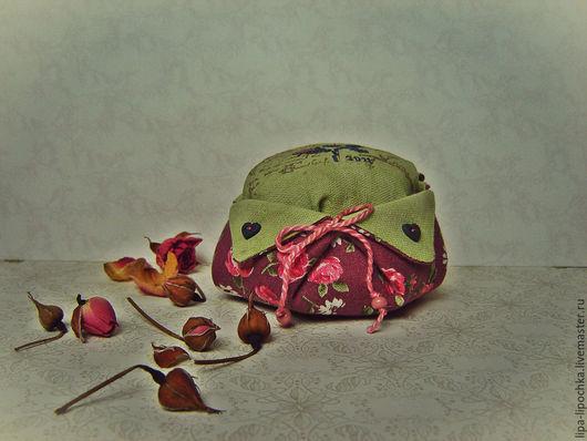 """Релаксация, ароматерапия ручной работы. Ярмарка Мастеров - ручная работа. Купить Саше-игольница """" В саду"""". Handmade. Розовый"""