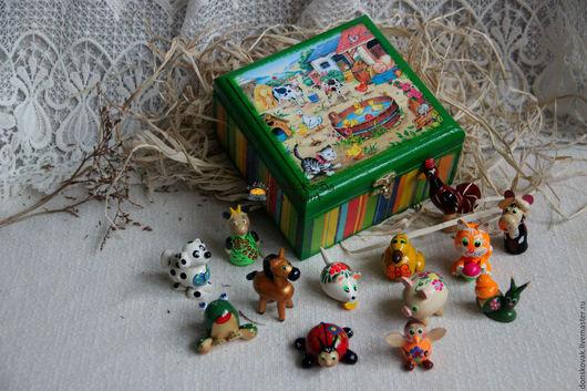 """Развивающие игрушки ручной работы. Ярмарка Мастеров - ручная работа. Купить Набор деревянных игрушек-магнитов в коробе """"Ферма"""". Handmade."""