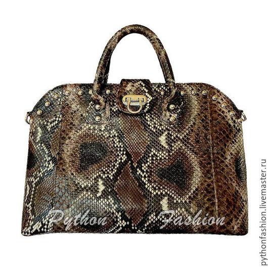 Сумка из питона. Дизайнерская женская сумка из питона. Стильная сумка из питона с заклепками. Авторская сумка из питона ручной работы. Яркая сумка из кожи питона на заказ. Красивая питоновая сумка.