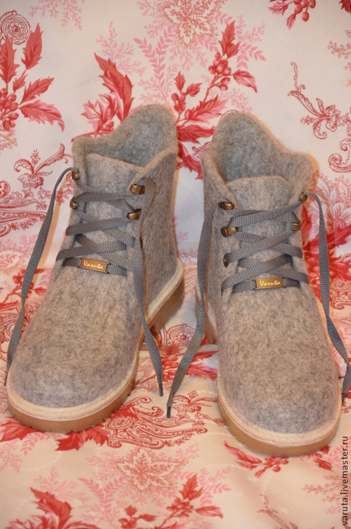 Обувь ручной работы. Ярмарка Мастеров - ручная работа. Купить Ботинки валяные женские Элли. Handmade. Серый, валенки на подошве