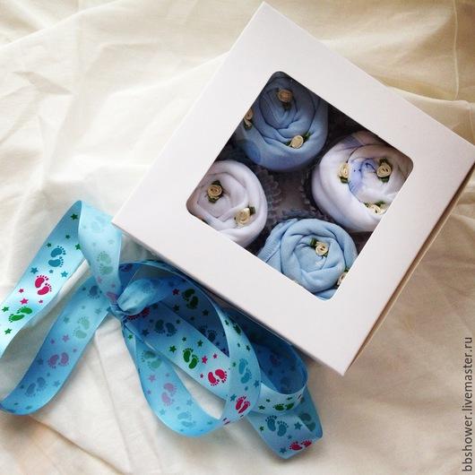 Подарки для новорожденных, ручной работы. Ярмарка Мастеров - ручная работа. Купить Пирожное из одежды. Handmade. Голубой, подарок маме и малышу