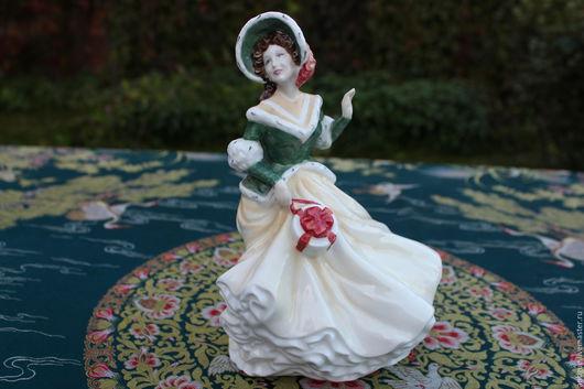 """Винтажные предметы интерьера. Ярмарка Мастеров - ручная работа. Купить Красивая статуэтка """"Рождественский день """",Royal Doulton,Англия. Handmade."""