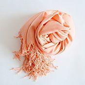 Аксессуары ручной работы. Ярмарка Мастеров - ручная работа Кашемировая шаль. Персиковый цвет.. Handmade.